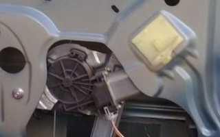 Как снять обшивку двери на логане